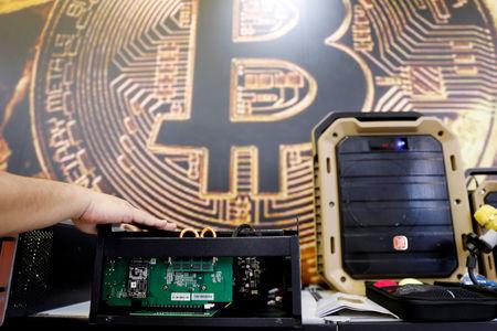 Bitcoin Suffers Violent Selloff; Surge Above $9,000 Meets Resistance