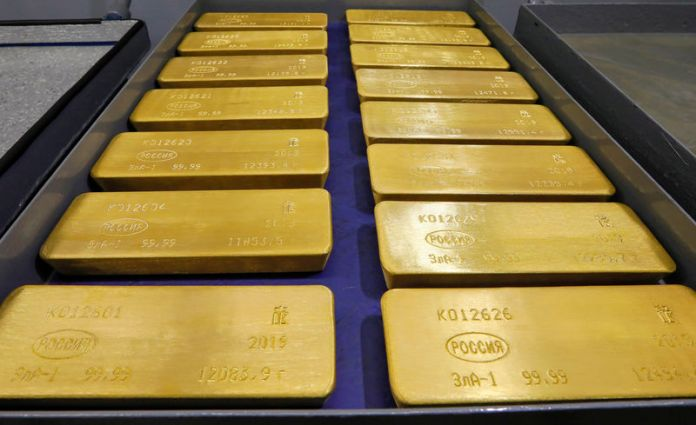 © Reuters. Gold morning look: high despite all the opposition factors, where is it going, and will it continue?