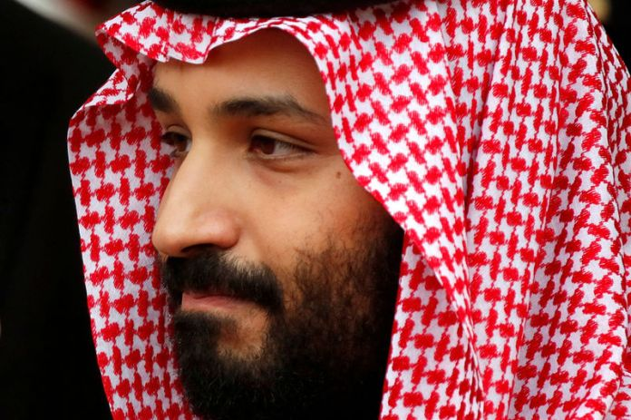 © Reuters. FILE PHOTO: Saudi Arabia's Crown Prince Mohammed bin Salman leaves the Hotel Matignon in Paris, France