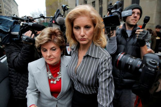© Reuters. FILE PHOTO: Zervos, a former contestant on The Apprentice, leaves New York State Supreme Court with attorney Allred in Manhattan, New York