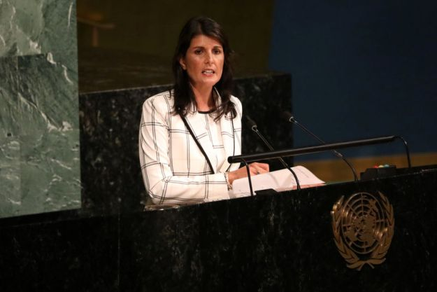 © Reuters. FILE PHOTO: U.S. Ambassador to the United Nations Nikki Haley addresses a United Nations General Assembly meeting in New York