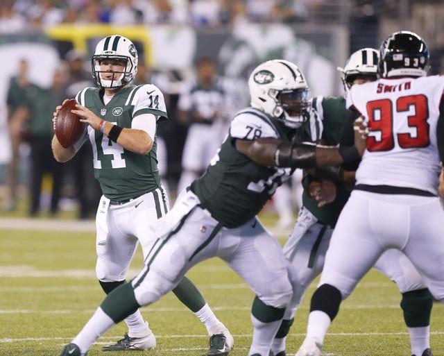 © Reuters. NFL: Atlanta Falcons at New York Jets