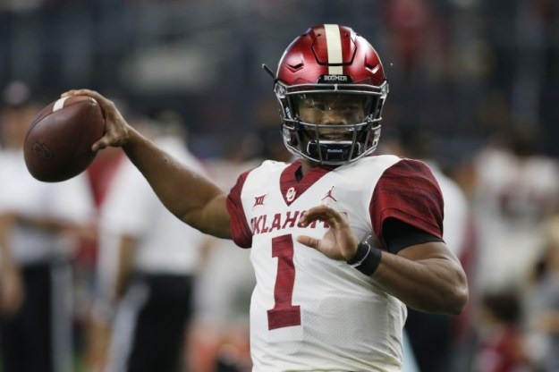 © Reuters. NCAA Football: Big 12 Championship-Texas vs Oklahoma