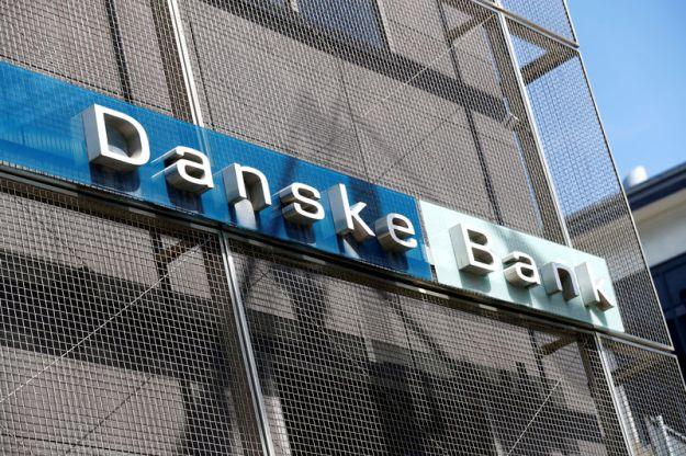 © Reuters. FILE PHOTO: Danske Bank sign is seen at the bank's Estonian branch in Tallinn