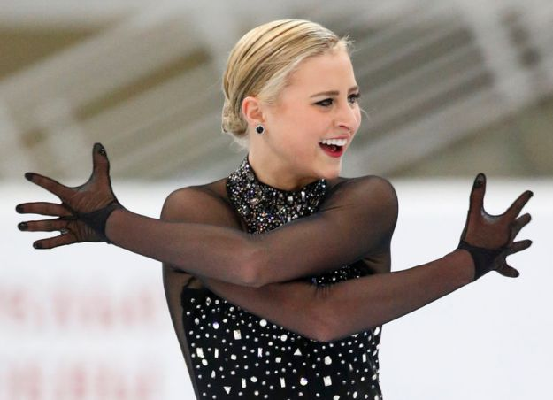 © Reuters. FILE PHOTO: Ashley Cain of the U.S. performs during the ladies short program at the Rostelecom Cup ISU Grand Prix of Figure Skating in Moscow