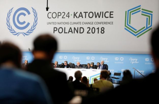 © Reuters. Participants take part in plenary session during COP24 in Katowice