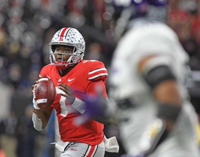 © Reuters. NCAA Football: Big Ten Conference-Football Championship-Northwestern vs Ohio State