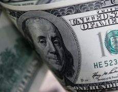 Dollar falls as oil attacks send investors to safety By Reuters