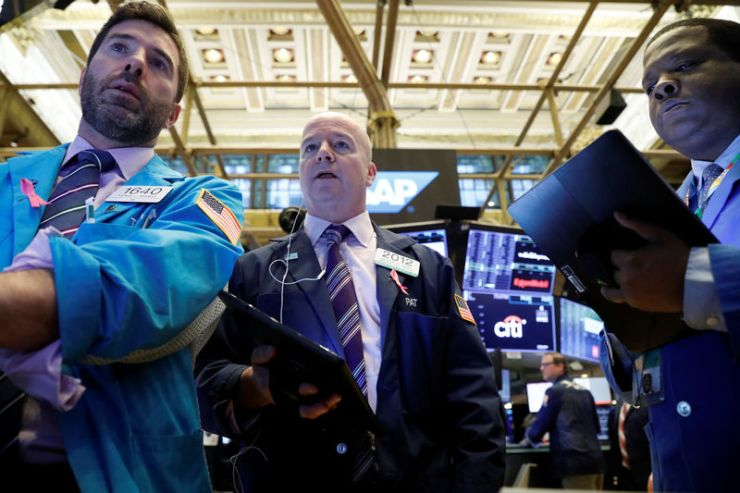 Los fondos globales aumentan las asignaciones de acciones a expensas del efectivo: encuesta de Reuters por Reuters 2