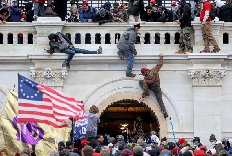 U.S. arrests another Oath Keepers associate over Capitol riots
