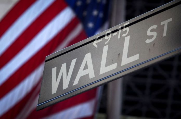 Gains for the third week and a record close for S&P and Dow