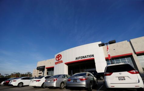 U.S. auto dealers are winners as chip shortage lifts vehicle profits