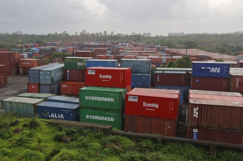 India April trade deficit at $15.24 billion -trade ministry