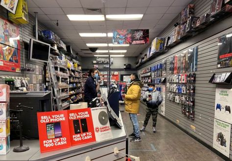 S&P lifts GameStop credit rating helping push into e-commerce