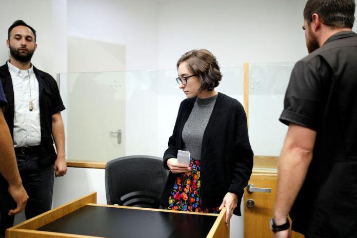 © Reuters. U.S. student Lara Alqasem appears at the district court in Tel Aviv