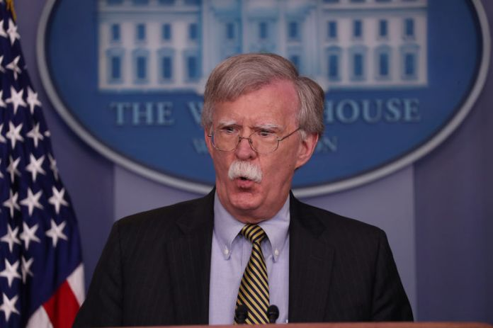 © Reuters. U.S. National Security Advisor Bolton answers questions during news conference in the White House briefing room in Washington