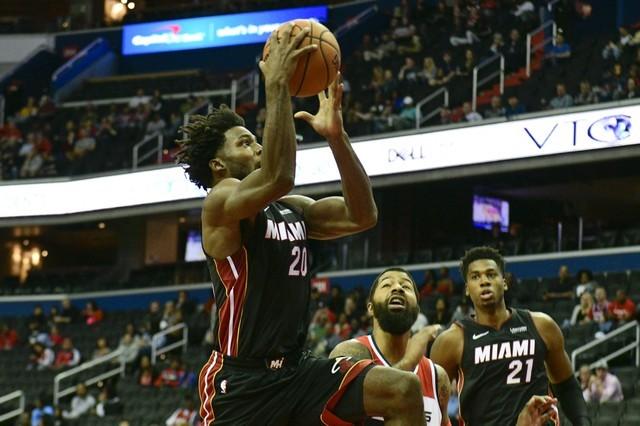 © Reuters. NBA: Preseason-Miami Heat at Washington Wizards