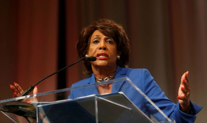© Reuters. FILE PHOTO: Congresswoman Waters addresses audience during Women's Convention in Detroit