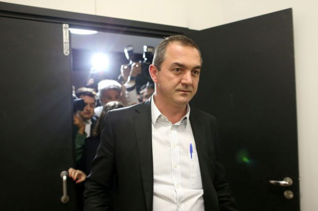 © Reuters. FILE PHOTO: Brazil's billionaire businessman Joesley Batista is pictured at the Brasilia international airport, after giving testimony in Brasilia