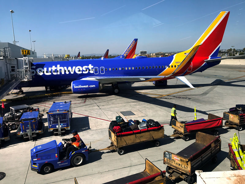© Reuters. Southwest Airlines Boeing 737 plane is seen at LAX in Los Angeles