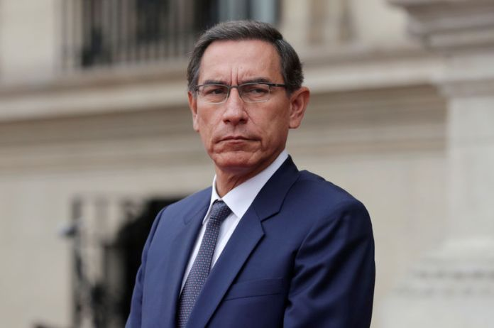© -. Peru's President Martin Vizcarra and Colombia's President Ivan Duque meet in Lima