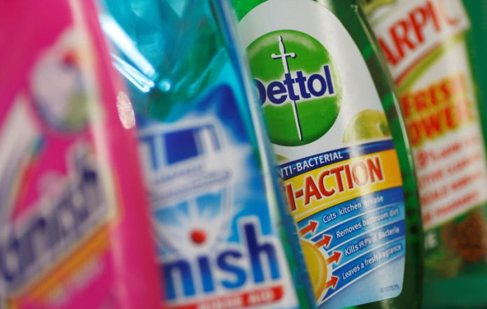 © -. FILE PHOTO: Products produced by Reckitt Benckiser; Vanish, Finish, Dettol and Harpic are seen in London