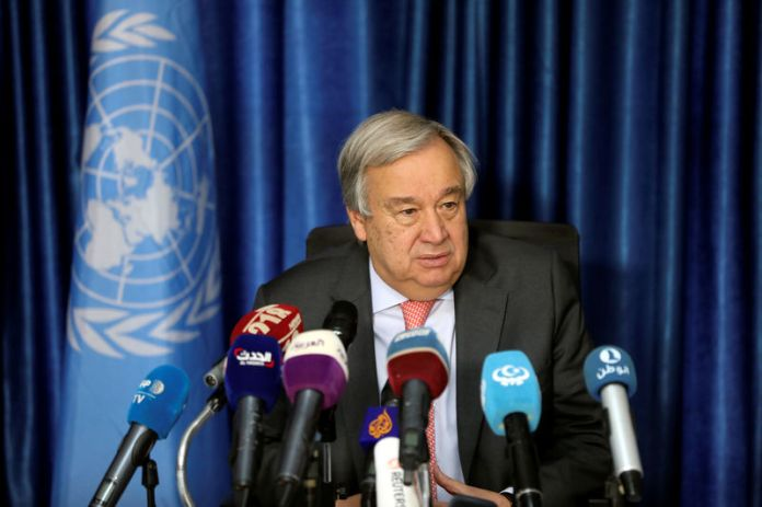 © Reuters. Secretary General of the United Nations Antonio Guterres speaks during a news conference in Tripoli