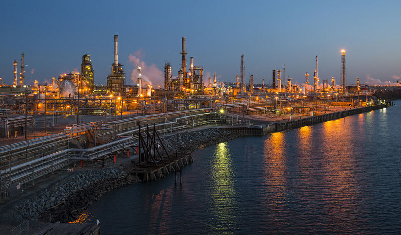 النفط يصعد بفعل مؤشرات على انحسار الحرب التجارية بين الصين وأمريكا