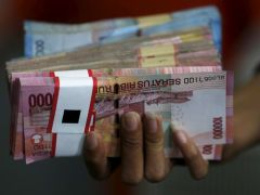 Investors trim bearish bets on Asia FX on coronavirus recovery hopes: Reuters poll By Reuters