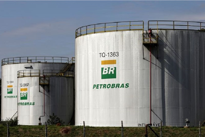 Petrobras suffers declines with Lira and Campos Neto questioning gasoline prices