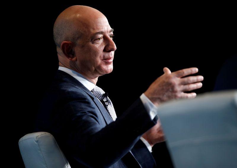 'Road to space': billionaire Bezos has successful suborbital jaunt