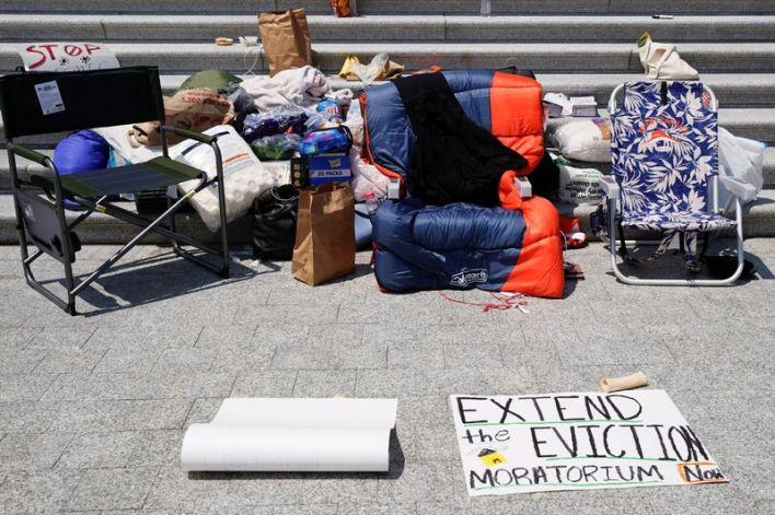 U.S. House Democrats seek eviction moratorium extension through Oct. 18