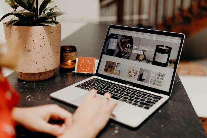 Exclusive-Online wholesale marketplace Faire raises $260 million, valued at $7 billion