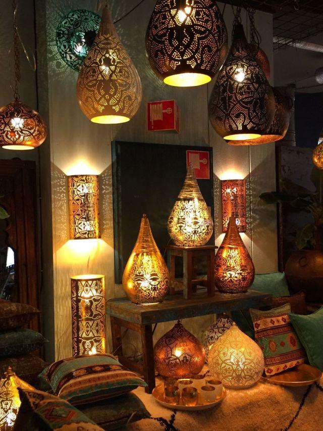 Sfeerlampen-filigrain-lampen-met-kleine-gaatjespatronen-mooie-1001-nacht-sfeer-uit-India-te-koop-bij-Indistrieel-in-Middelburg-shop