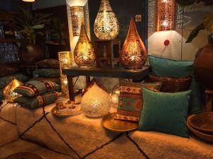 koper-goud-staand-filigrain-sfeerlampen-met-kleine-gaatjespatronen-te-koop-bij-Indistrieel-in-Middelburg-window-shopping-click-en-collect.