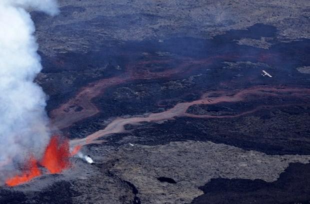 Hint Okyanusu'ndaki yanardağ yeniden faaliyette