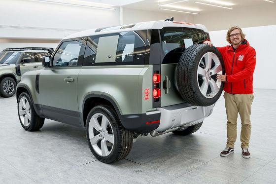 Land-Rover-Defender-560x373-efabdd6b99d2