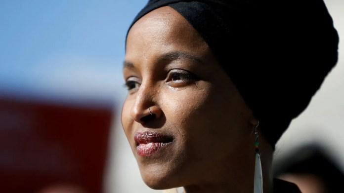 La congresista reivindicó su patriotismo ante los ataques de Trump