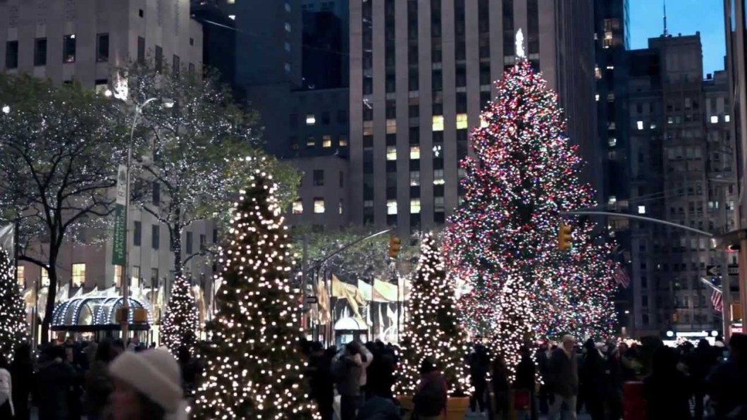 Christmas decorations nyc 2017 for New york in christmas 2017