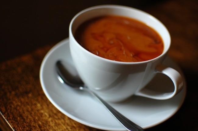 """Permalink to Beber líquidos muy muy calientes """"posiblemente causa cáncer"""", según la OMS"""
