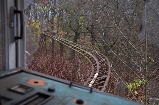 Abandonded Theme Park Seph Lawless 7