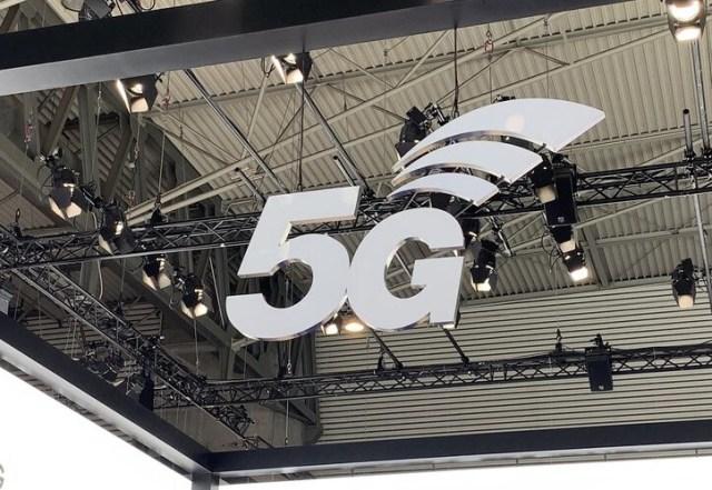 La subasta de 700 MHz para el 5G ha terminado: así se comparten el espectro Movistar, Orange℗ y Vodafone℗ por 1.010 millones de euros