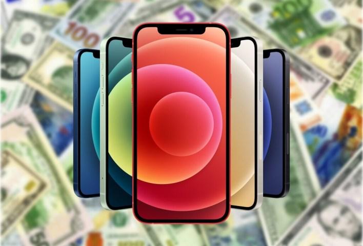 Los iPhone son (un poco) más baratos cada año porque ya no son sólo móviles, son caballos de Troya