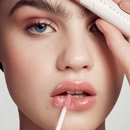 Estas son las irresistibles novedades de maquillaje de cejas, labios y ojos de Fenty Beauty para este otoño-invierno