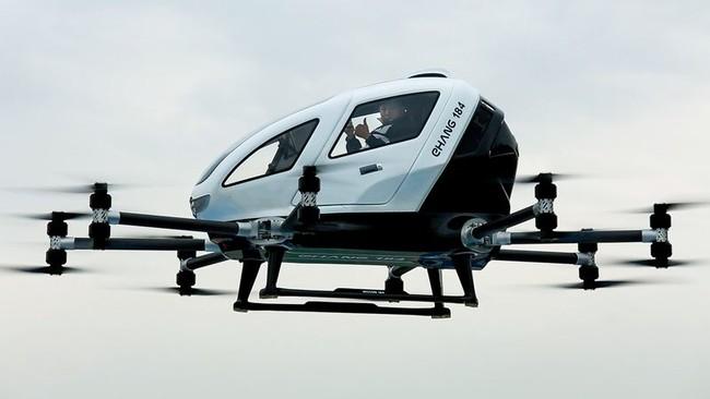 Permalink to Volar con un taxi-dron autónomo está más cerca: el vídeo que demuestra cómo lo hace el EHang 184