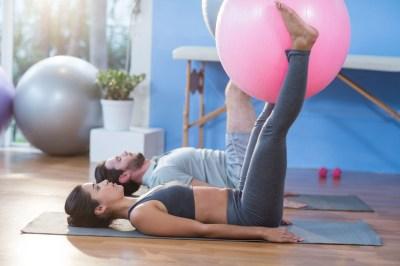 Pilates en casa: los mejores canales de Pilates en Youtube para entrenar en tu salón