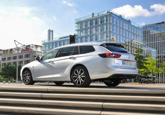 Así es el plan estratégico que dibuja el futuro de Opel: electrificación, recortes y nada de cerrar fábricas