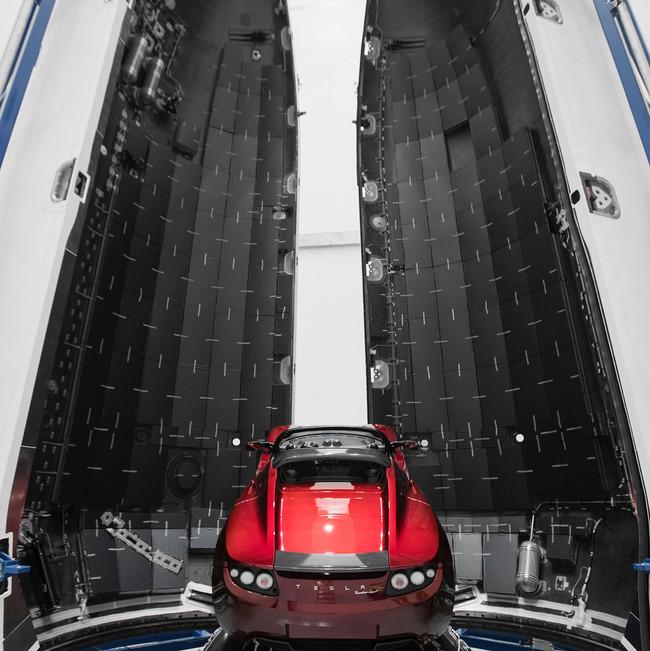 Permalink to El Tesla Roadster que irá a Marte está listo y Elon Musk nos lo muestra en todo su esplendor