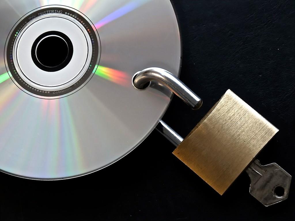 Cómo saltarse el bloqueo de las operadoras a un sitio web de descargas desde España