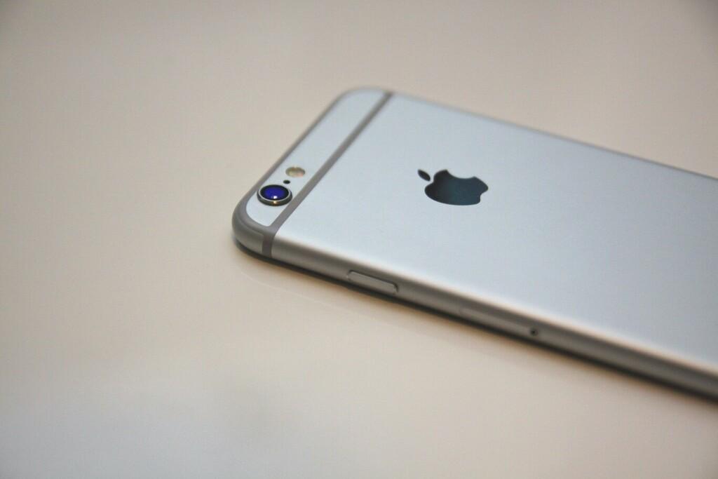 Un grupo de personas demandó a Apple por más de mil millones de pesos, acusándolo de obsolescencia programada en los iPhone 6